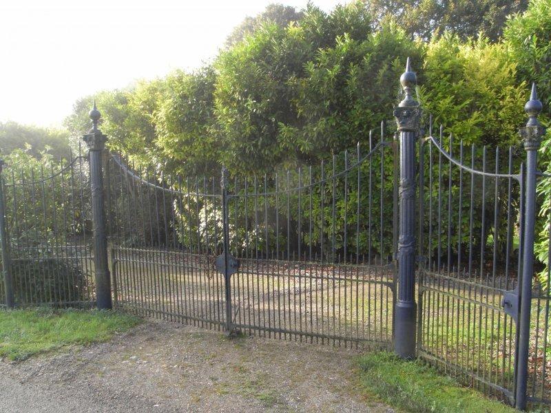 Aulage gates